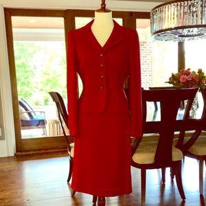 Gorgeous Red 2-Piece Business Suit w/ Back Pleat